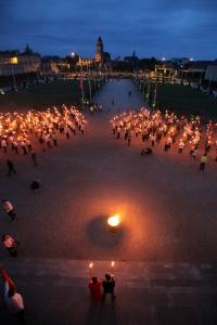 La Marche aux Flambeaux © Landing Production 2016